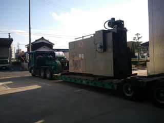 プレス機 搬出寝かせ積込み運搬作業